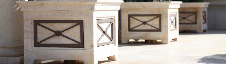 Square-Trellis-Planters-in-Beaumaniere-limestone