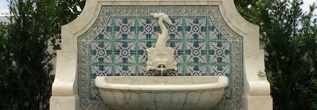 Baxter Dolfin fountain