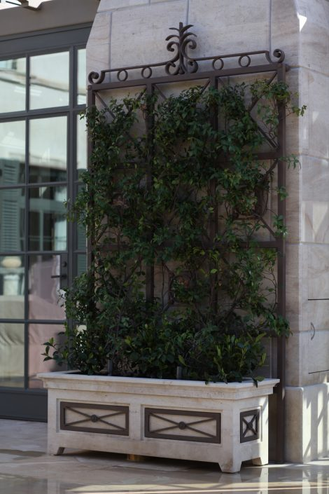 Rectangular Trellis Planter in Beaumaniere limestone