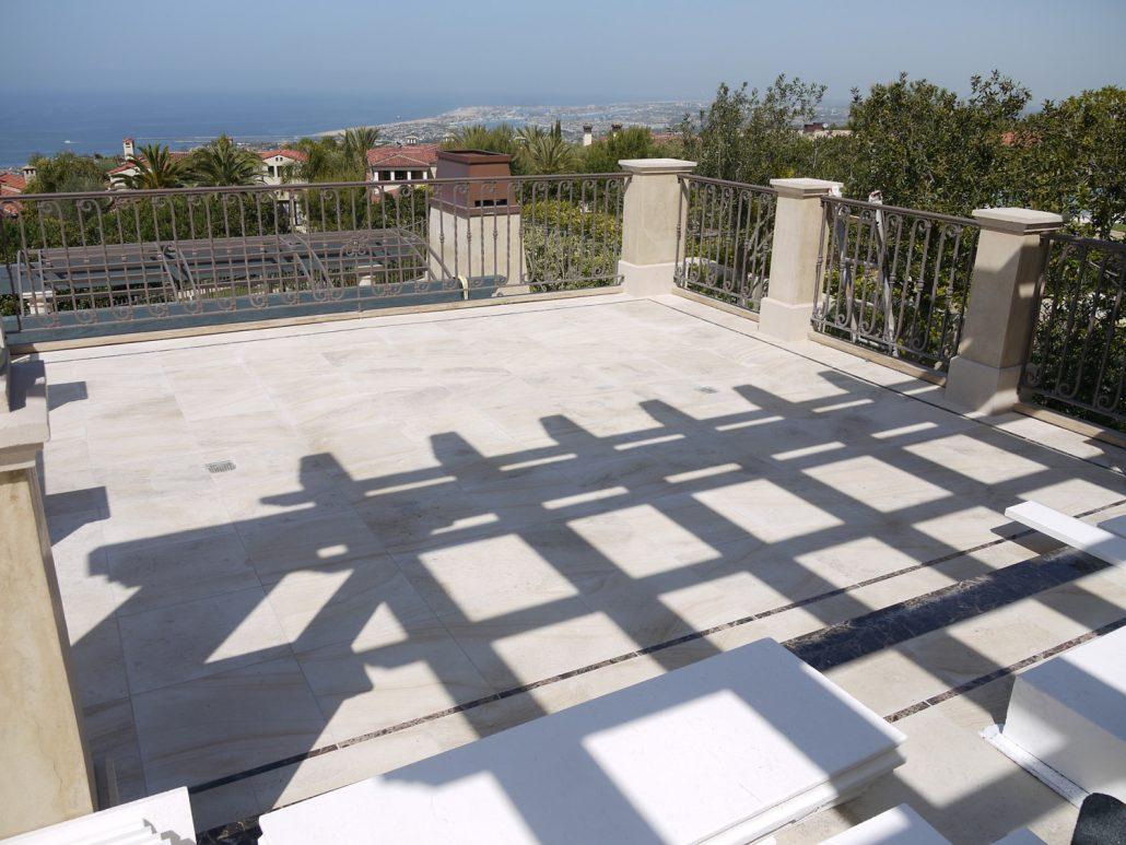 Shoreline 2nd Floor Deck in French limestone