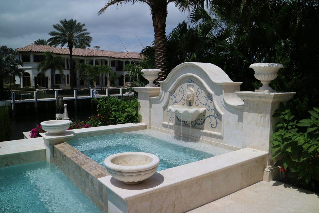 Pool fountain angle